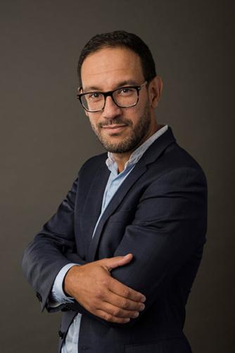 patrick-kedzia-photographe-corporate-portrait-avocat-capstan-lille-mourad-bourahli-w